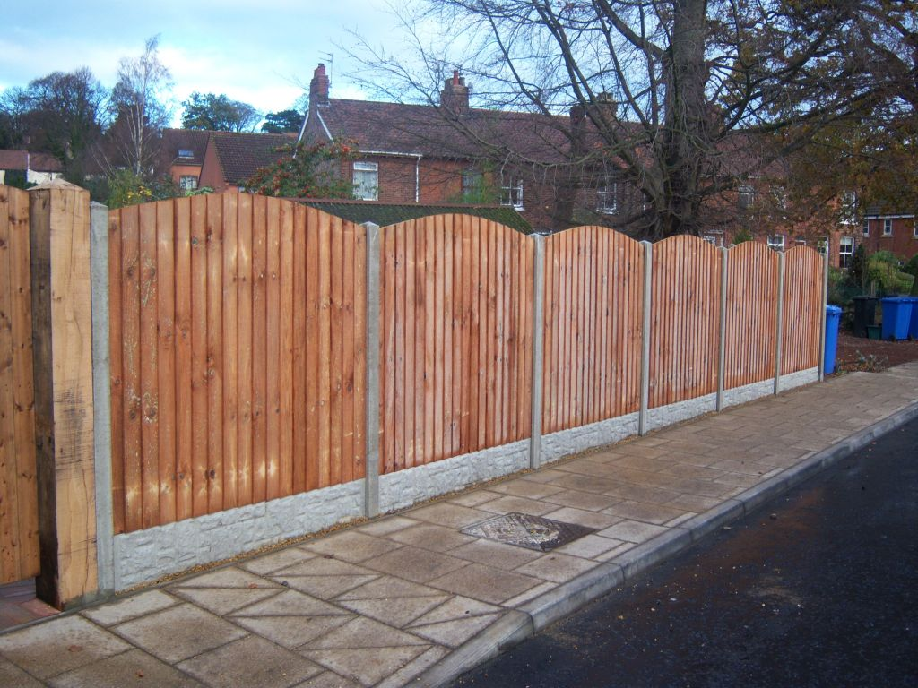 Fencing in norwich we install all forms of wood fencing in norfolk 1029g baanklon Choice Image