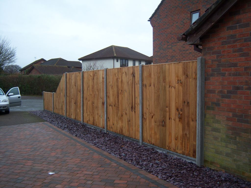 Fencing in norwich we install all forms of wood fencing in norfolk 1031g baanklon Choice Image