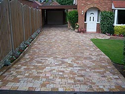 Alpha Antique & Chelsea Sett paving